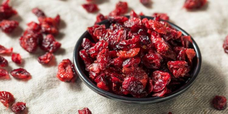 9 Health Benefits of Dried Cranberries